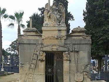 29th October Free guided visit of the Cemetery in La Uni�n