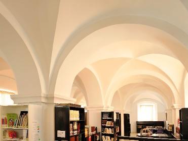 Biblioteca Pública Menéndez Pidal. Casa de la Encomienda.