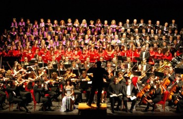 6th September, open-air performance by 400-strong choir at the start of the September fiestas in Murcia