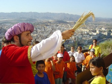 4th June free guided theatrical tour of historic Á�guilas
