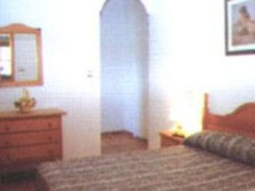 HOTEL LOS PERIQUITOS