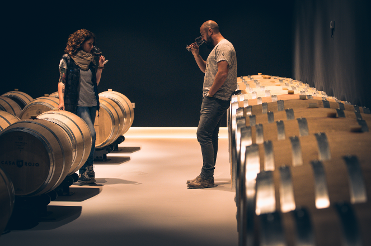 The winemakers of  Laura Muñoz y José Luis Gómez.